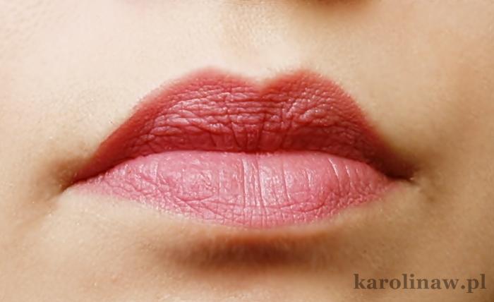 Lovely Extra Lasting 1 kolor swatch recenzja opinie opinia blog urodowy kosmetyczny trwałość