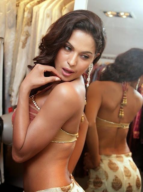 veena-malik-beautiful-back