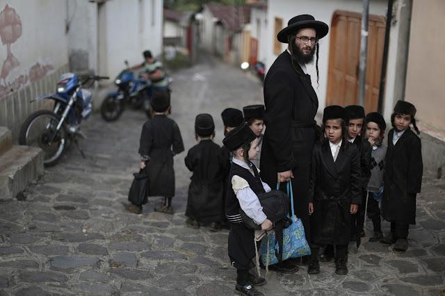 Existem judeus praticantes do judaísmo e outros não