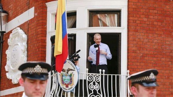 """Ecuador califica como """"falsas"""" las noticias sobre Assange"""