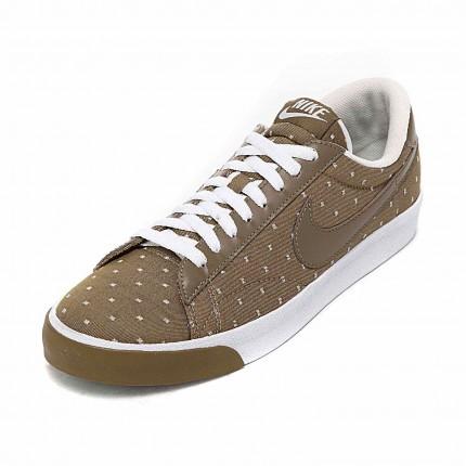 huge selection of 8e723 2db6e For å fremme denne serien av high- tech sport produkter, Nike 21. februar i  New York i et nytt stort produkt lansering. Spor og felt stjerne Carl Lewis  ...