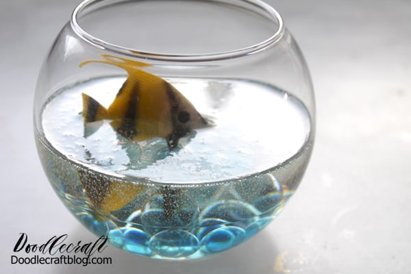 Then let the fishbowl sit for another hour, checking on the fish every 10 minutes to make sure it hasn't slipped. After another hour, it should be fine to let it sit unattended. Let the resin cure overnight.