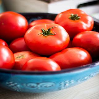 Tips Kesehatan, Mempercantik kulit dengan tomat, manfaat tomat bagi kesehatan kulit, merawat wajah menggunakan tomat, membuat masker dari tomat, Tips Praktis,