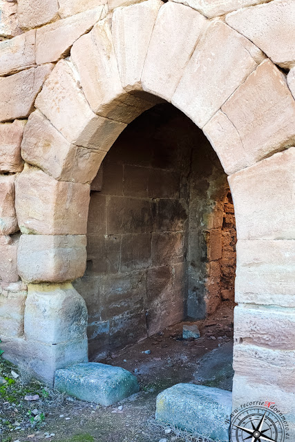 una puerta del castillo de Montizón