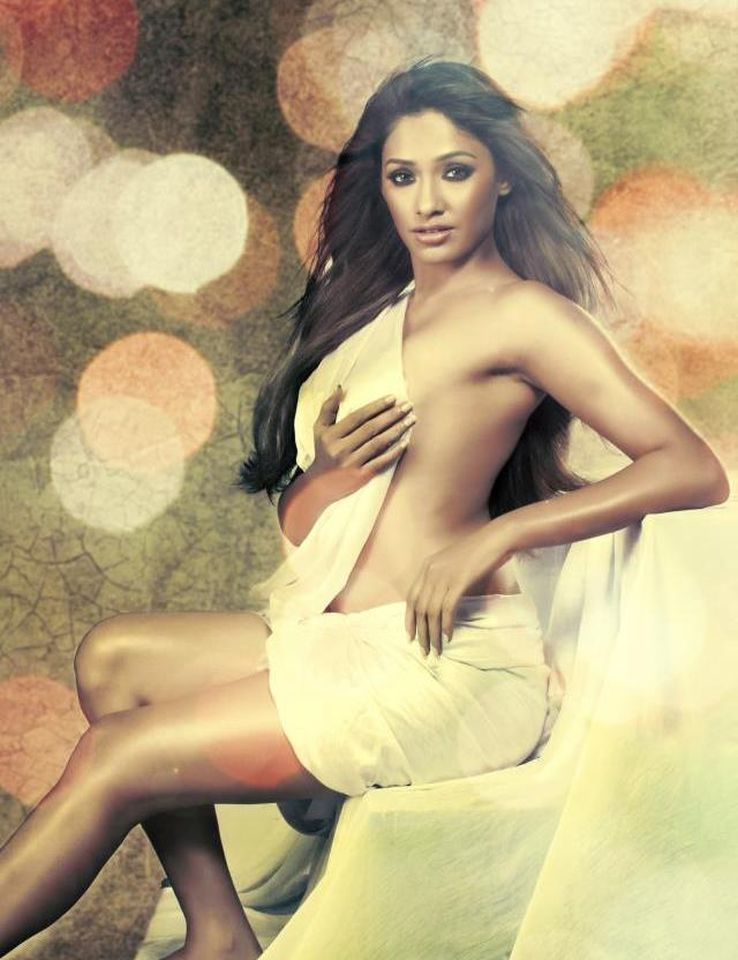 Kesha Khambati top less photo shoot | Telugu Hot Actress Bollywood Navel Queens