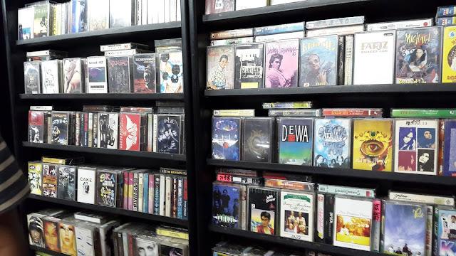 Tips Berburu Koleksi Kaset dan CD Langka