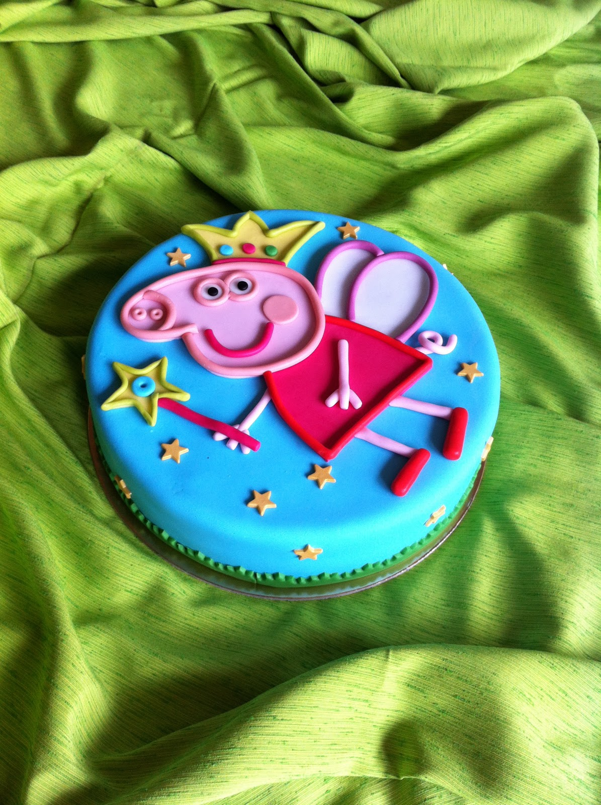 PEPPA PIG CAKE-by Red Carpet Cake Design | Red Carpet Cake ...