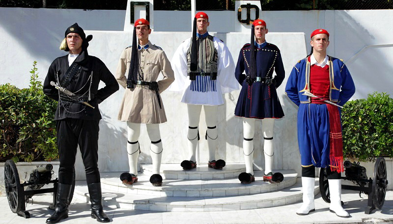 Ένταξη της Θρακιώτικης παραδοσιακής ενδυμασίας στην Προεδρική Φρουρά