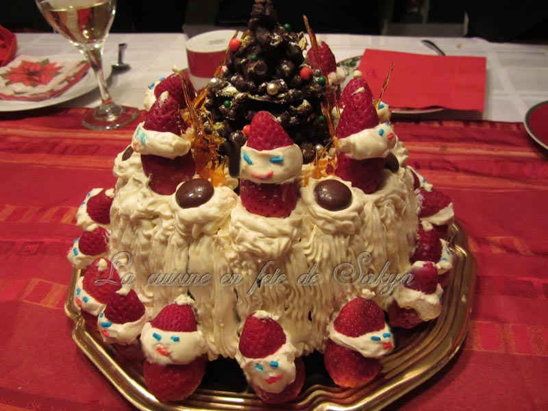 gateau de fete de noel La cuisine en fête de Sakya: Gâteau des fêtes décoré avec des  gateau de fete de noel
