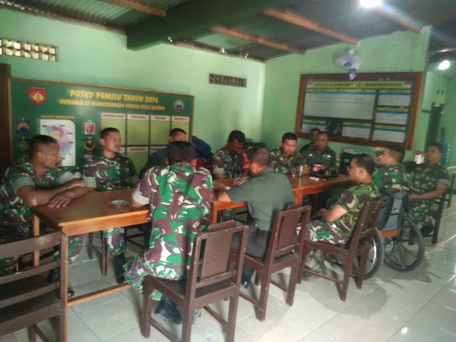 Komandan Koramil 12/Manisrenggo Beri Pengarahan Kepada Anggota