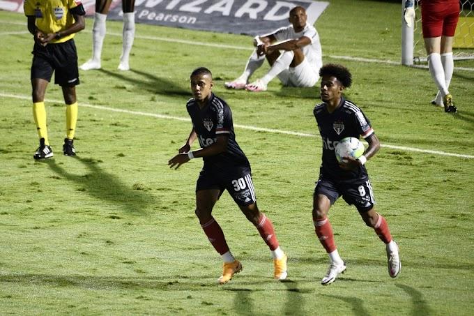 """Fernando Diniz chama Tchê Tchê de """"ingrato"""" e """"mascaradinho"""" durante jogo do São Paulo contra o Bragantino;"""