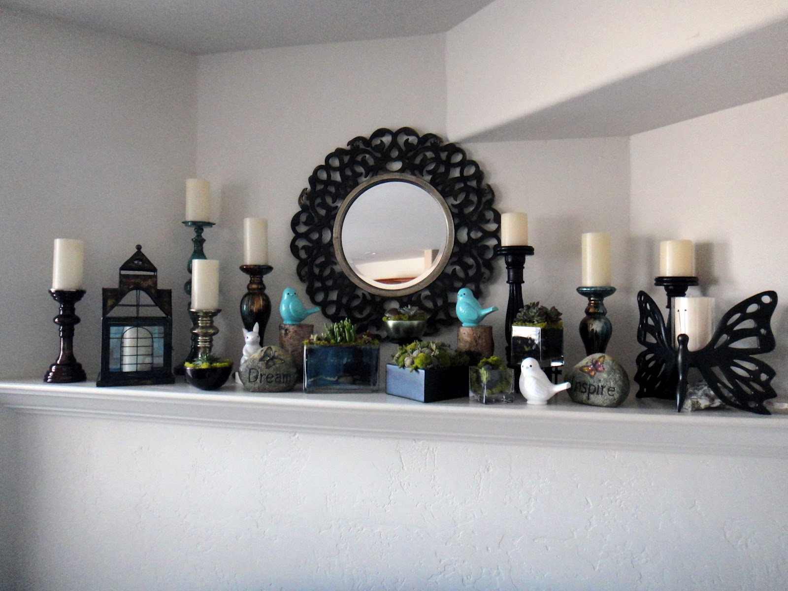 The Best Christmas Mantel Decorations