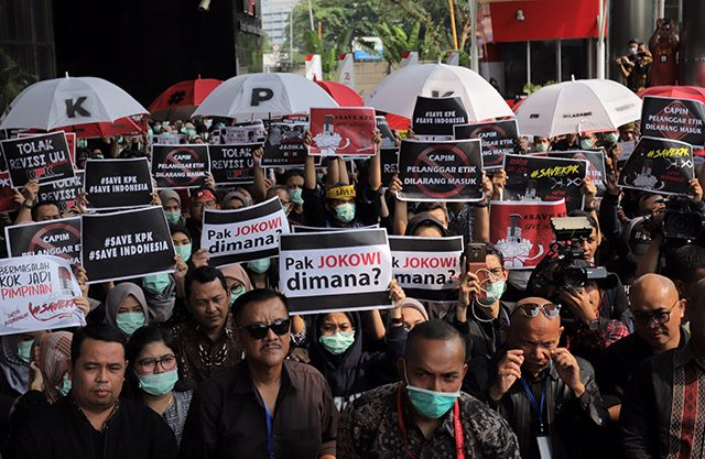 Besok UU KPK Hasil Revisi Berlaku, WP Minta Jokowi Selamatkan KPK