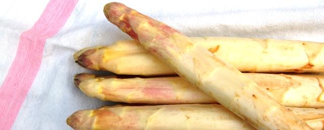 Le blog d 39 iratze ostatua la recette des asperges la bayonnaise - Asperge blanche a la poele ...