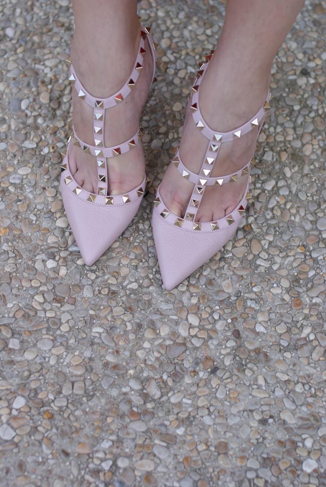 Valentino light pink Rockstud heels on Fashion and Cookies fashion blog, fashion blogger