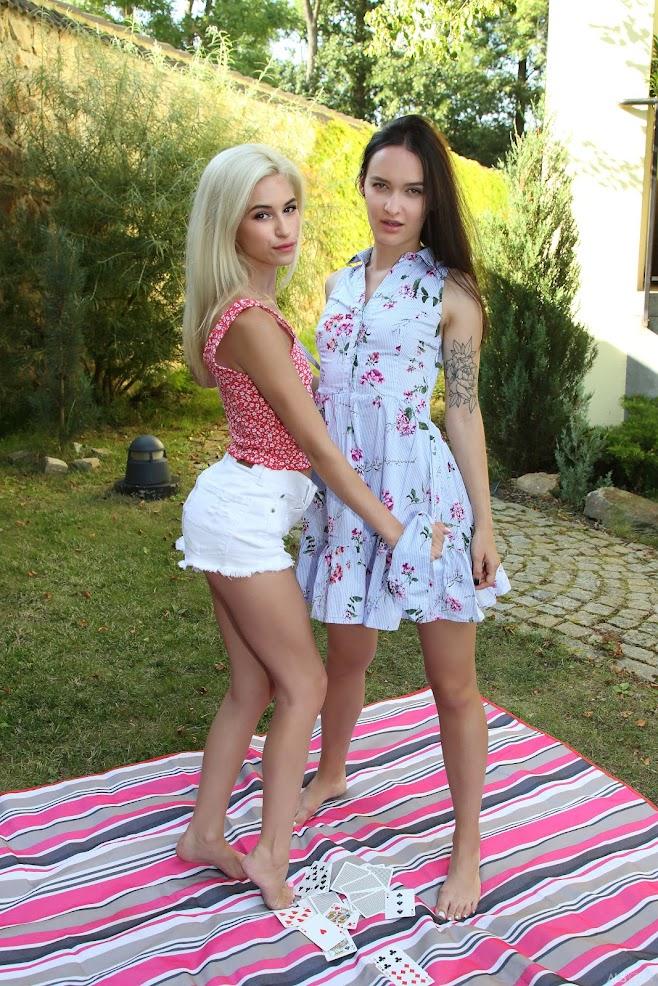 [Beauty] Kiara Cole, Sasha Sparrow - Dealers Choice - Girlsdelta