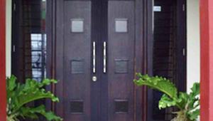 11 Arti Mimpi Pintu Rumah Kita Terbuka Menurut Primbon Jawa