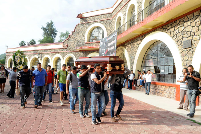 Célula de Los Rojos mató a dos normalistas de Ayotzinapa