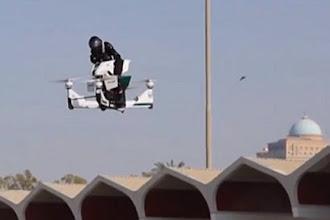UNA MOTO VOLADORA, EL ULTIMO JUGUETE DE LA POLICÍA DE DUBAI
