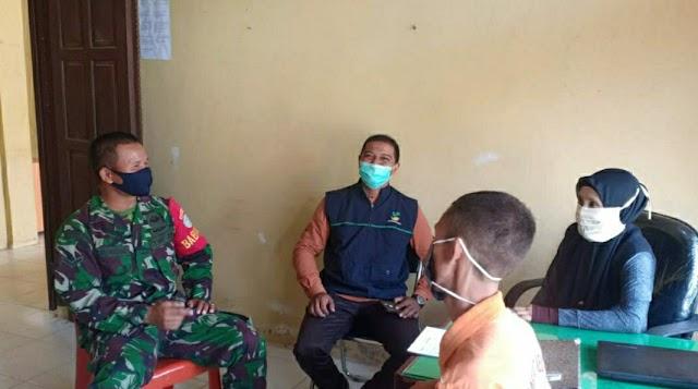 Dukung Pemda Tingkatkan Kesadaran Masyarakat Penerapan Protokol Kesehatan, Babinsa Koramil 08/Bakongan Aktif Pantau Wilayah