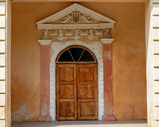 Самбір. Ратуша. Старовинний портал