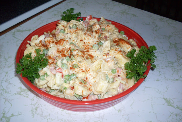 Family Favorite Macaroni Salad