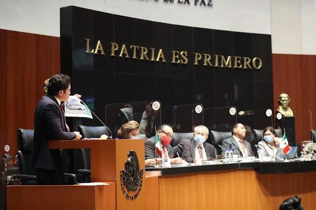 """""""Tanta rifa y nada de quimios"""", reclama senador Samuel García a titular de Salud"""