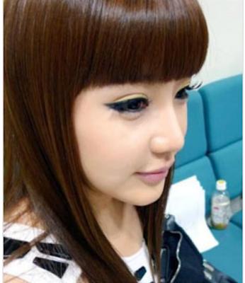 Model rambut panjang berponi ala korea