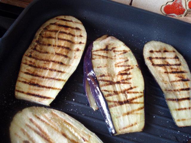 pan grilling vegetables