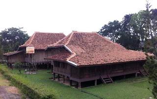 Rumah Limas merupakan rumah tradisional khas Provinsi Sumatera Selatan