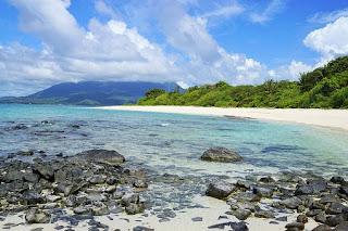 10 Pantai Tropis Terindah Di Pulau Natuna 2020