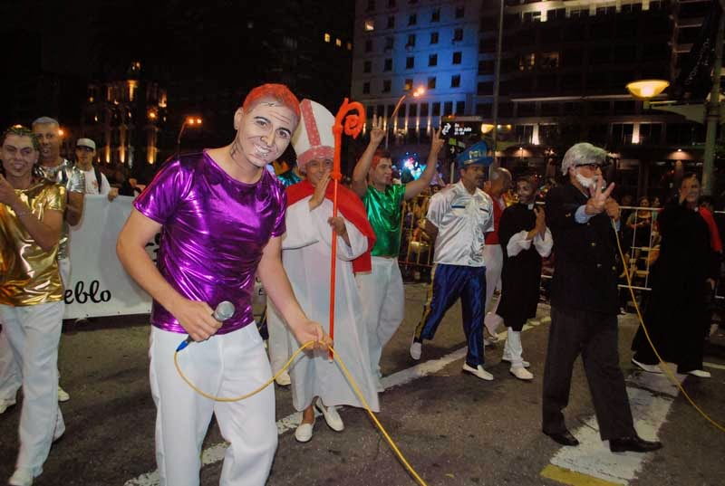Desfile Inaugural del Carnaval. 2015. Bergoglios.