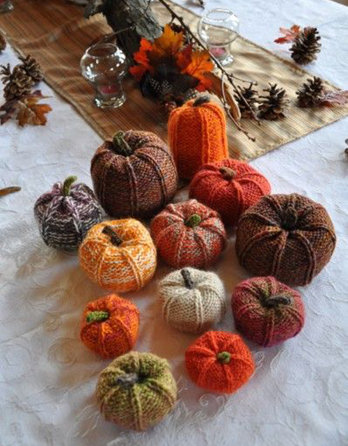 Knit Pumpkins - Free Pattern & Tutorial