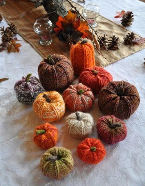 Knit Pumpkins - Free Pattern & Tutorial