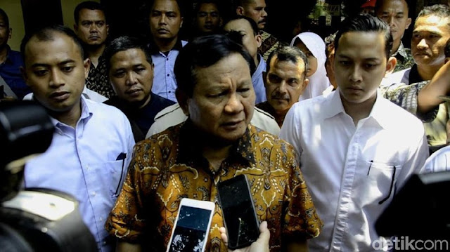 Prabowo: Ratna Nggak Ada di Manifes, Karena Tak Bisa Check In
