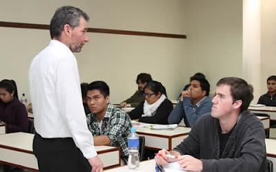 Maestr as realizadas en el extranjero son v lidas para ser for Profesores en el extranjero