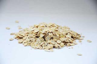 Cara menghilangkan ketombe dengan oatmeal