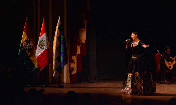 ¡Hatun Quilla en La Paz! Talentosa artista peruana encantó en Bolivia