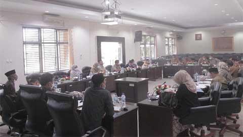 Komisi I DPRD Kota Solok Gelar Rapat Kerja dengan mitra