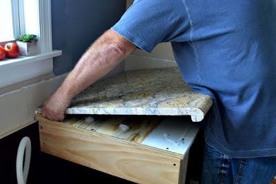 Cara Pasang Granit Meja Dapur Yang Benar Agar Hasilnya Sempurna