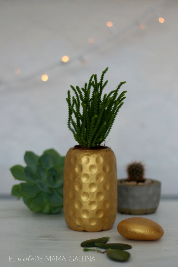 concrete pineapple planter