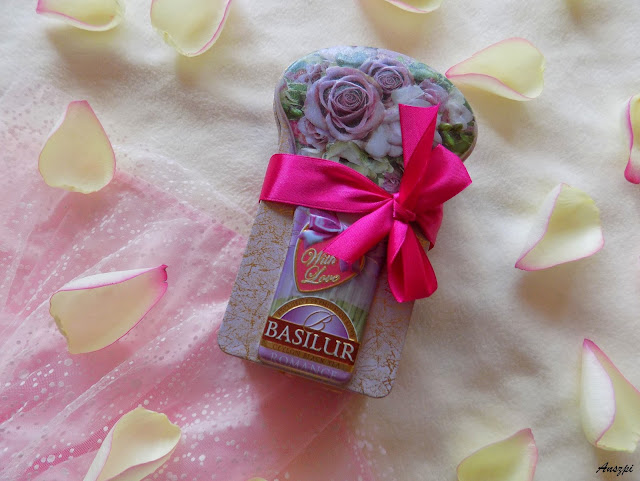 Chwila relaksu z herbatą Basilur With Love Romance