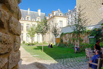 Paris : Jardin des Rosiers Joseph Migneret, discrète oasis en plein coeur du Marais - IVème