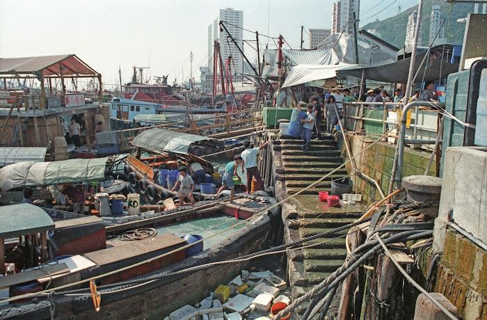 Hong Kong, Aberdeen, jonques, © L. Gigout, 1990