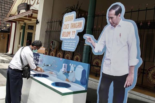 Jokowi Cuci Tangan Hadapi Pandemi Corona, Salahkan Para Menterinya