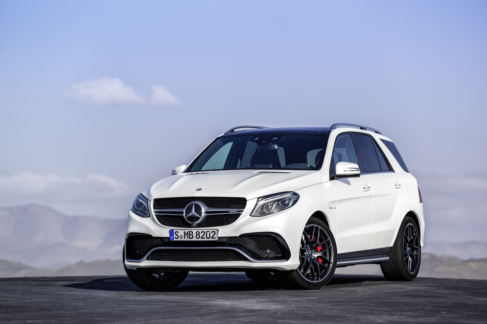 2016 mercedes benz gle officially breaks cover 66 hd photos carscoops. Black Bedroom Furniture Sets. Home Design Ideas