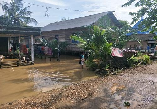 Kondisi air di sebagian rumah warga Desa Lasung.