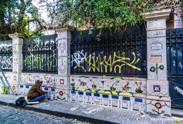 Grafites e mosaicos nas fachadas de Palermo, Buenos Aires