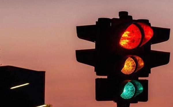 Từ 2020, vượt đèn vàng cũng sẽ bị phạt tới 5 triệu đồng như vượt đèn đỏ