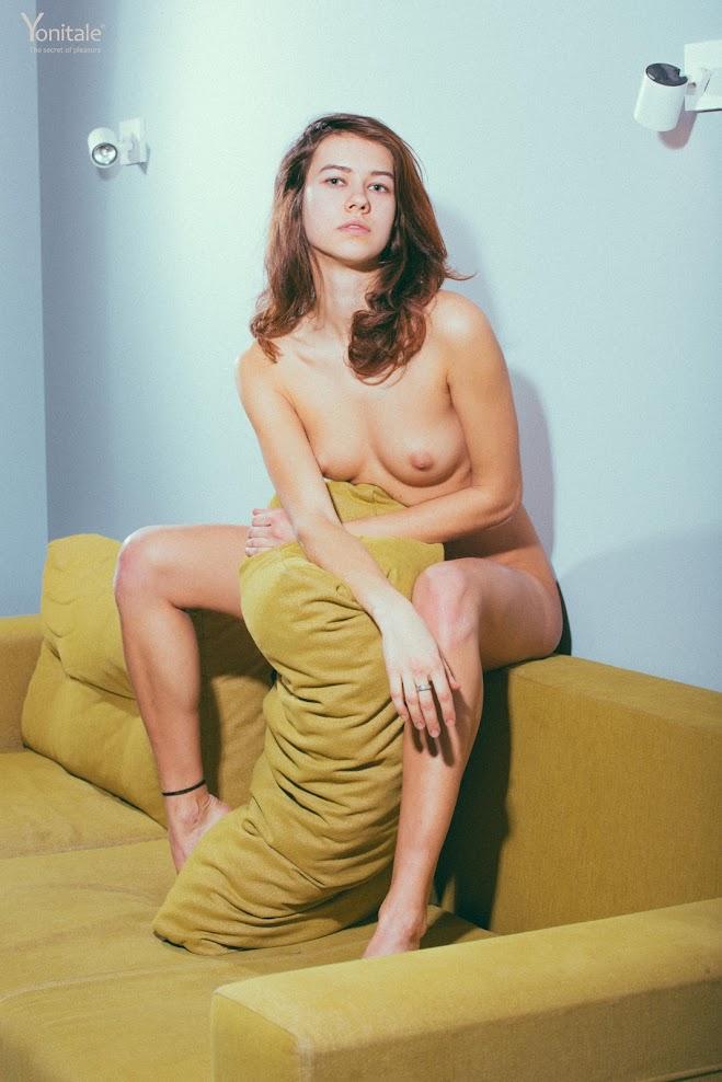 title2:Yonitale Brianna Y Nouvelle Vague 1ivcwnsfviso